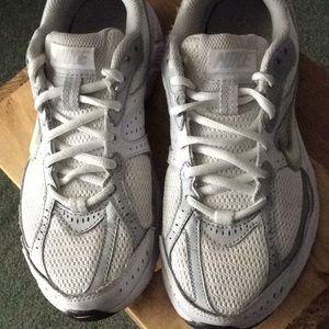Women's NIKE Sneakers sz7